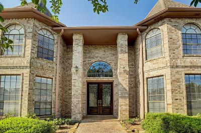 Baytown Single Family Home For Sale: 4613 Burning Tree Drive