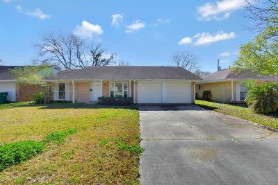 Seabrook Single Family Home For Sale: 1821 Dolphin Drive