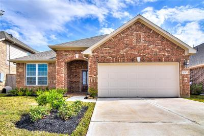 Brookshire Single Family Home For Sale: 1819 Benbrook Hollow