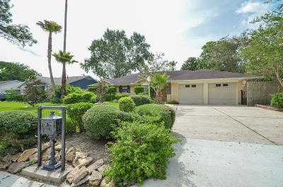 Friendswood Single Family Home For Sale: 309 Winding Road