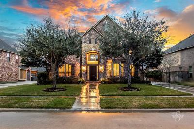 Fulshear Single Family Home For Sale: 5726 Fulshear Plantation Drive