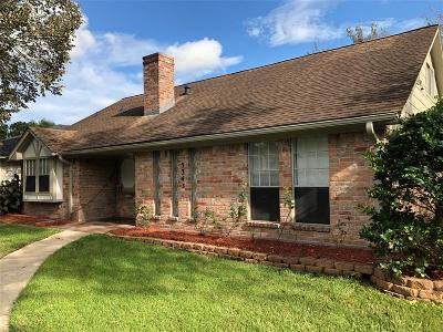 Friendswood Single Family Home For Sale: 5343 Royal Parkway