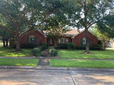 Friendswood Single Family Home For Sale: 521 Meadow Bend Drive