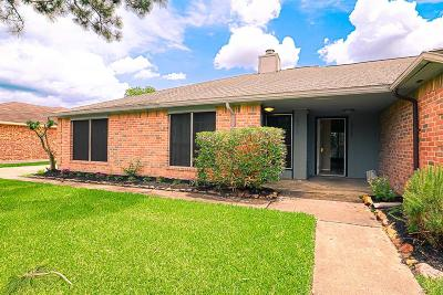 Katy Single Family Home For Sale: 19323 Hollowlog Drive N