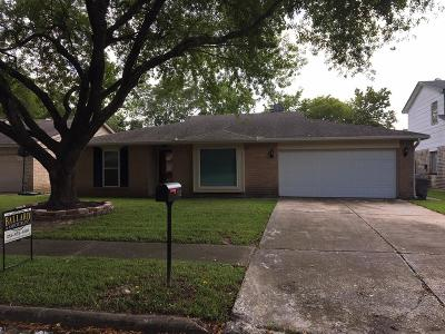 Friendswood TX Single Family Home For Sale: $228,000