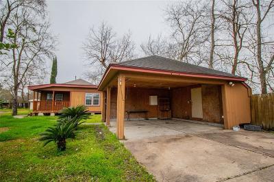 Single Family Home For Sale: 6027 Velma Lane