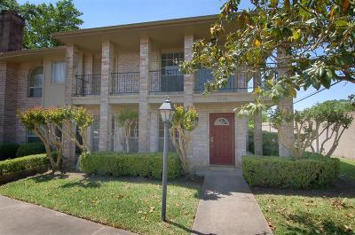 Missouri City Condo/Townhouse For Sale: 3210 Continental Dr