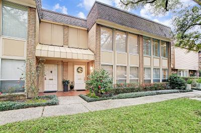 Houston Condo/Townhouse For Sale: 8978 Chatsworth Drive #8978