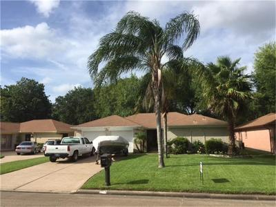 League City Single Family Home For Sale: 326 Bayridge Drive