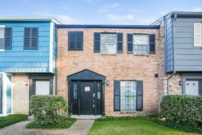 Houston Condo/Townhouse For Sale: 8353 Naim Street