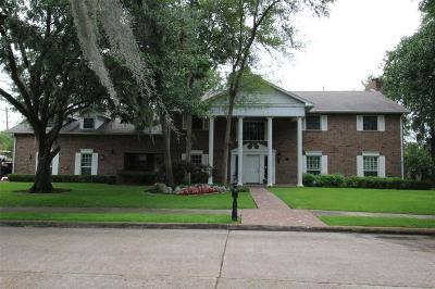 Baytown Single Family Home For Sale: 3404 Creekbend Drive