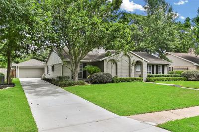 Houston Single Family Home For Sale: 10726 Candlewood Drive