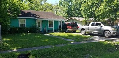 Alvin Single Family Home For Sale: 1013 W Snyder Street