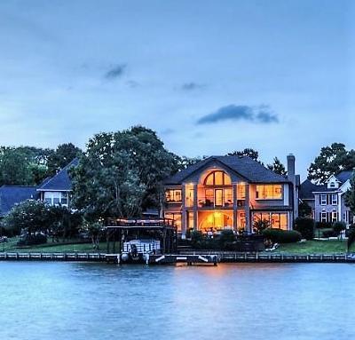 Single Family Home For Sale: 259 Sarasota Circle S