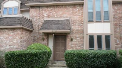 Missouri City Condo/Townhouse For Sale: 2924 Camelot Lane