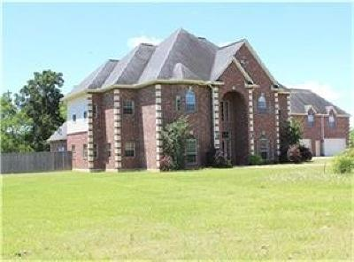 Baytown Single Family Home Pending: 9706 Ellen