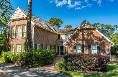 Seabrook Single Family Home For Sale: 311 Lakeshore Drive