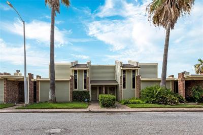 Galveston Condo/Townhouse For Sale: 6924 Lasker Drive