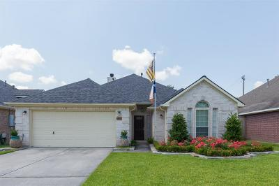 Seabrook Single Family Home For Sale: 2509 Lakeside Landing