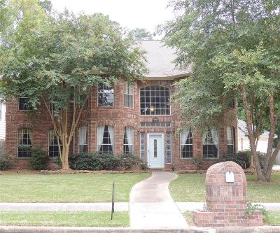Baytown Single Family Home For Sale: 2910 Parkwood Drive