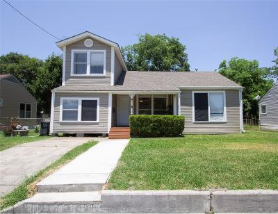 Deer Park Single Family Home For Sale: 217 E 4th Street