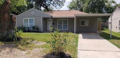 Houston TX Single Family Home For Sale: $132,000