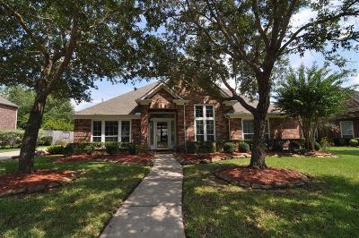 Friendswood Single Family Home For Sale: 2807 Burr Oak Drive
