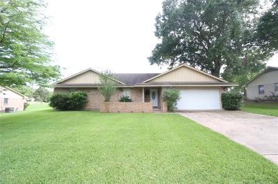 Bellville Single Family Home Pending: 120 Bluebonnet Drive