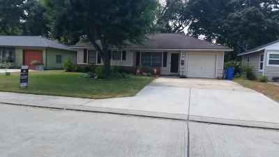 Lake Jackson Single Family Home For Sale: 510 Gardenia Street