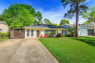 Houston Single Family Home For Sale: 1702 Candlelight Lane