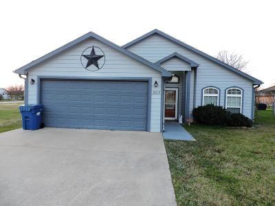 Single Family Home For Sale: 303 Masthead