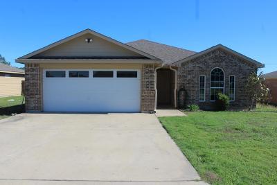 Single Family Home For Sale: 320 Masthead