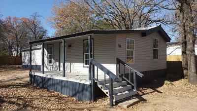 Single Family Home For Sale: 111 Sundrift Drive