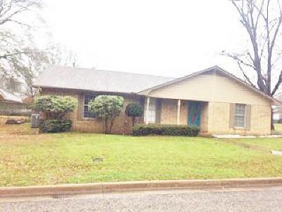 Single Family Home For Sale: 815 Ward