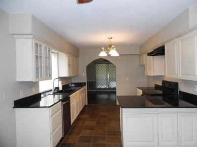 Athens Single Family Home For Sale: 209 Louise Lane