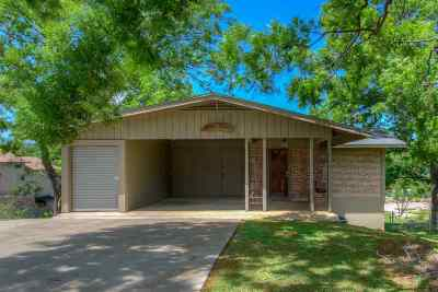 Burnet Single Family Home For Sale: 523 Shoals Parkway