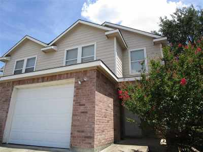 Marble Falls Multi Family Home For Sale: 723 Claremont Parkway