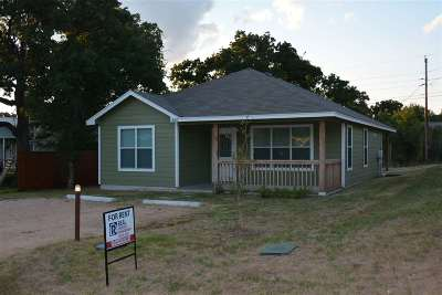 Kingsland TX Single Family Home For Sale: $1,200