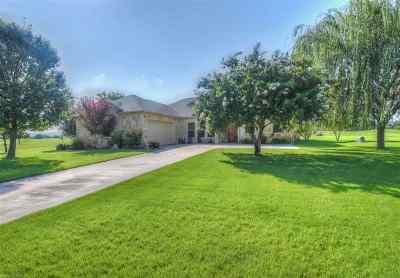 Kingsland TX Single Family Home Pending-Taking Backups: $359,950