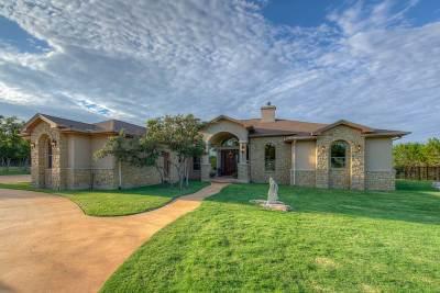 Burnet Single Family Home For Sale: 108 Oak Bend