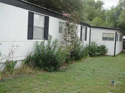 Kingsland Single Family Home For Sale: 112 Robert