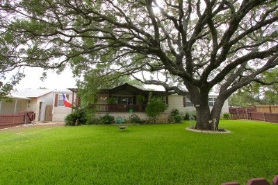 Buchanan Dam Single Family Home Pending-Taking Backups: 104 Brooklynn