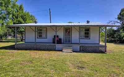 Burnet Single Family Home For Sale: 403 Comanche Drive