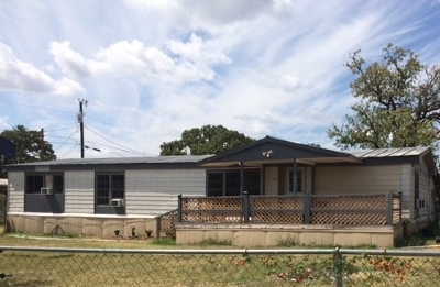 Kingsland TX Single Family Home For Sale: $79,000