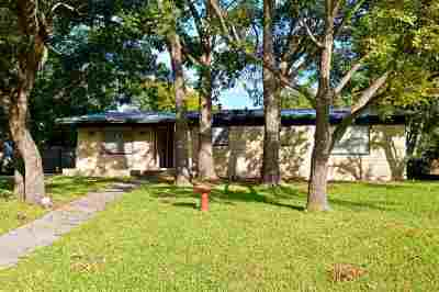 Lampasas Single Family Home For Sale: 1417 W 4th