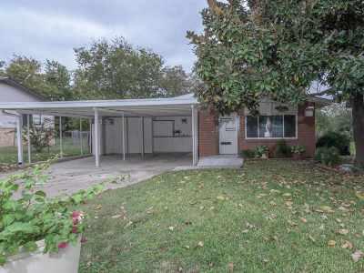 Burnet Single Family Home For Sale: 713 N Main St