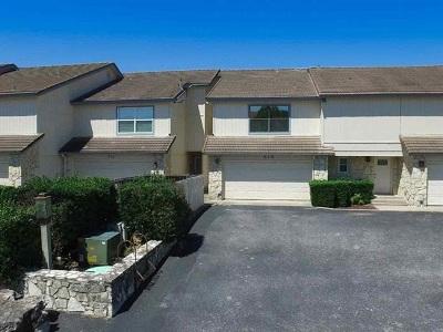 Burnet County Single Family Home For Sale: 414 Horseshoe Bay North (Sundance Townhome)