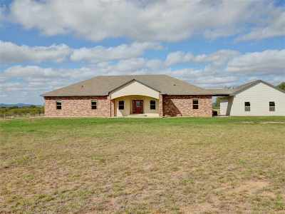 Marble Falls Single Family Home For Sale: 914 Oxbow Trail
