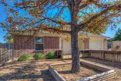 Kingsland TX Single Family Home For Sale: $149,000