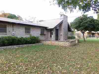 Marble Falls TX Single Family Home For Sale: $195,500